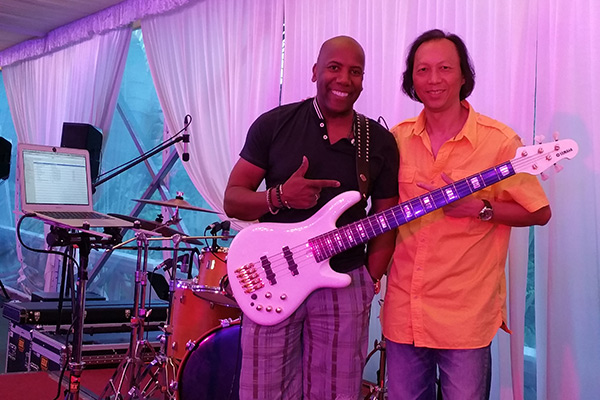 bassist nathan east with jimmy lee